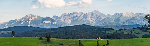 hory v dálce